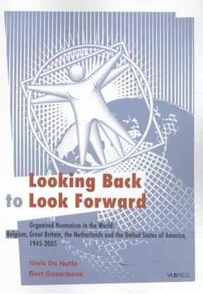 Afbeeldingen van Looking Back to Look Forward