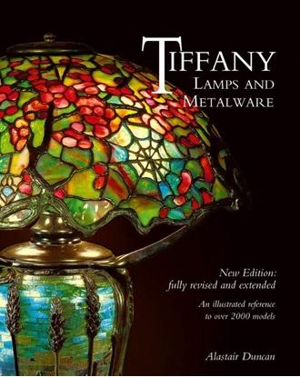 Afbeeldingen van Tiffany Lamps and Metalware