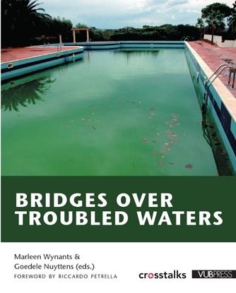 Afbeeldingen van Bridges over troubled waters