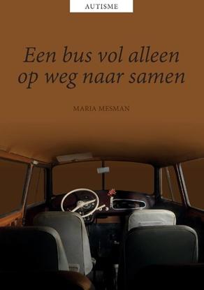 Afbeeldingen van Een bus vol alleen, op weg naar samen