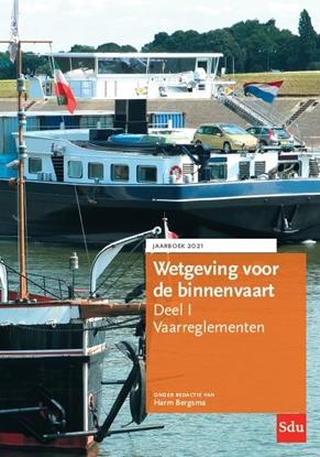 Afbeeldingen van Wetgeving voor de binnenvaart Deel I. Vaarreglementen. Jaarboek 2021